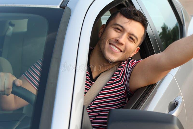 Красивый водитель автомобиля принимая selfie стоковое изображение rf