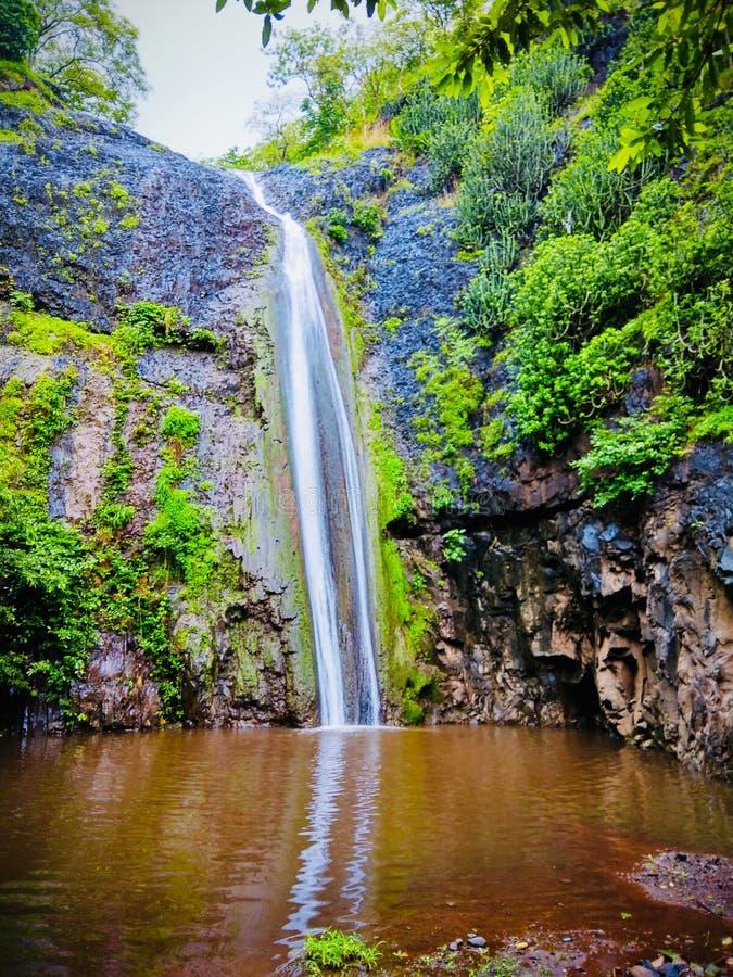 Красивый водопад стоковая фотография rf