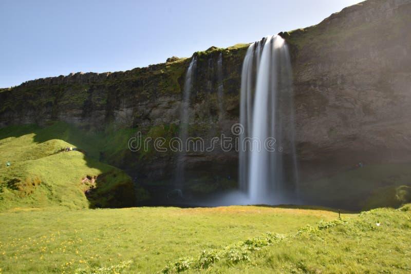 Красивый водопад Seljalandsfoss на юге Исландии стоковое фото rf