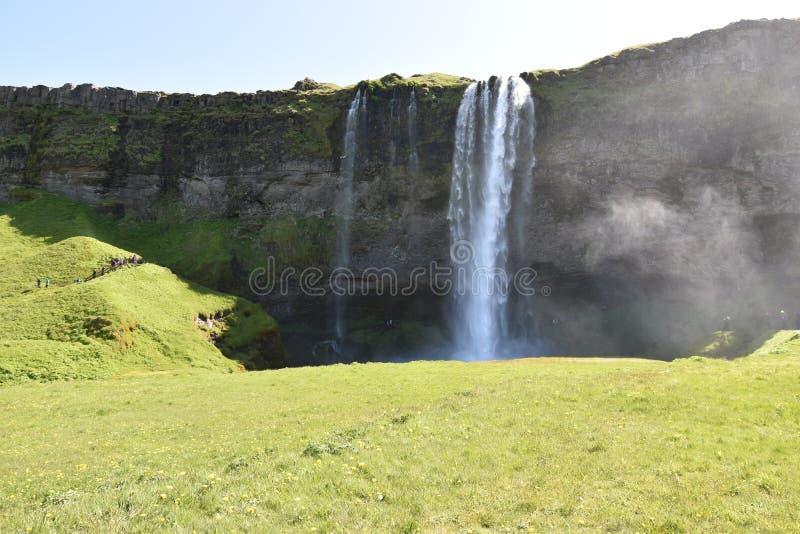 Красивый водопад Seljalandsfoss на юге Исландии стоковые изображения rf