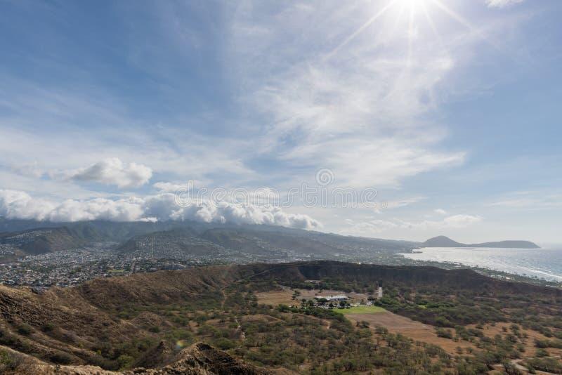 Красивый воздушный панорамный вид от вершины горы диаманта главной на Оаху стоковая фотография rf