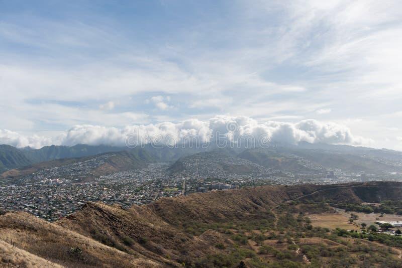 Красивый воздушный панорамный вид от вершины горы диаманта главной на Оаху стоковые изображения
