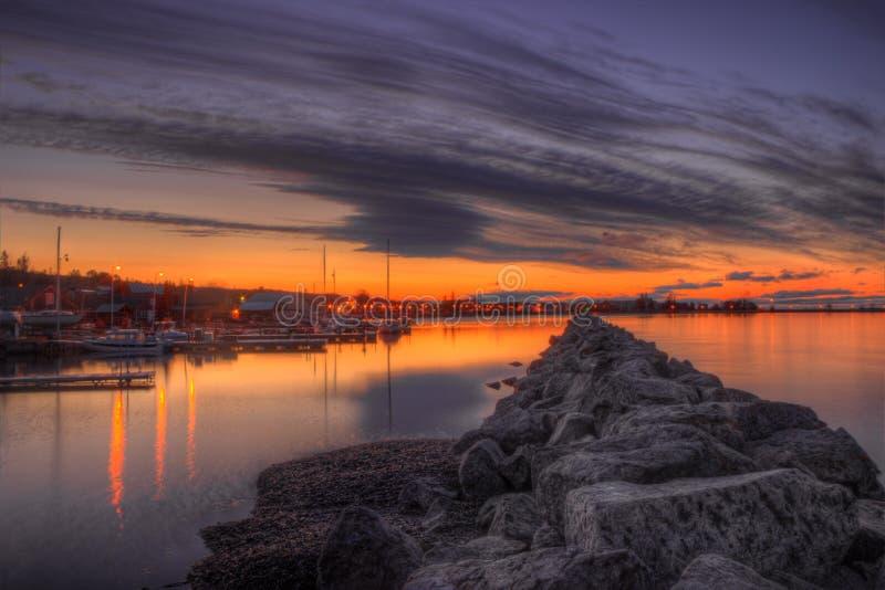 Красивый восход солнца в грандиозном Marais, гавань утра Минесоты на Lake Superior стоковое изображение