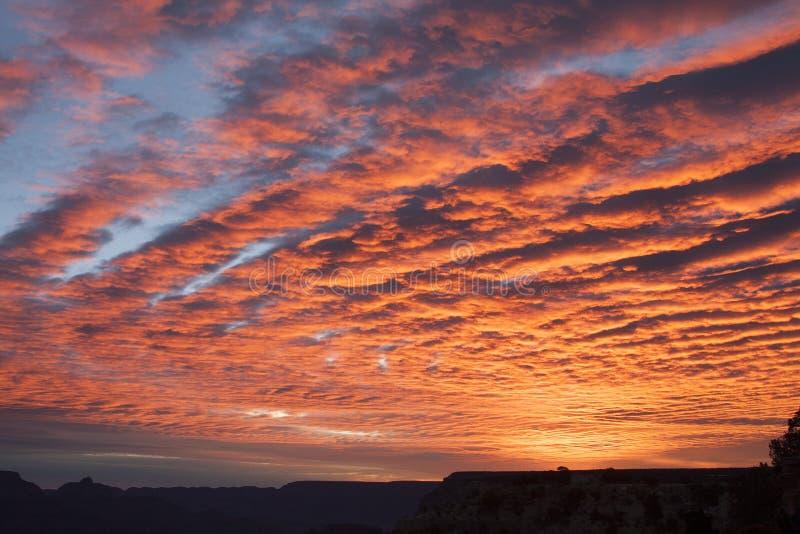 Красивый восход солнца и облака, гранд-каньон AZ стоковое изображение rf