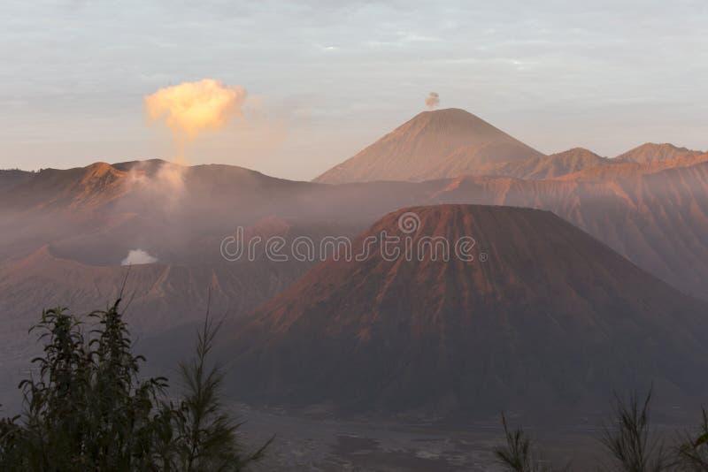 Красивый восход солнца на держателе Bromo стоковые фотографии rf