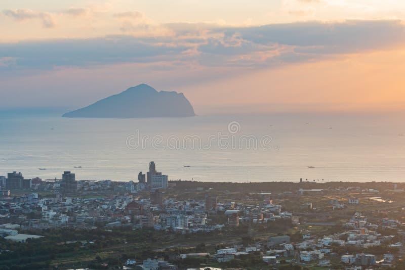 Красивый восход солнца острова Guishan стоковые изображения rf