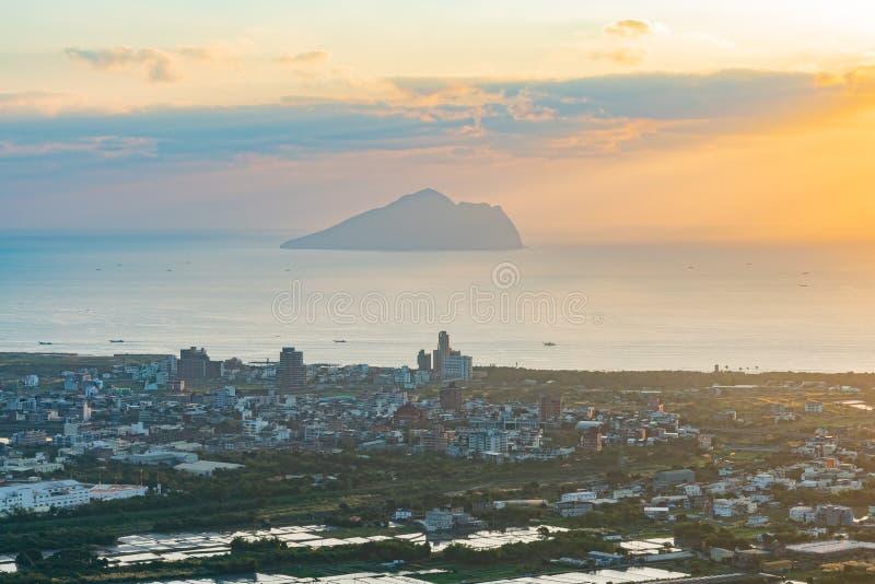 Красивый восход солнца острова Guishan стоковые фотографии rf