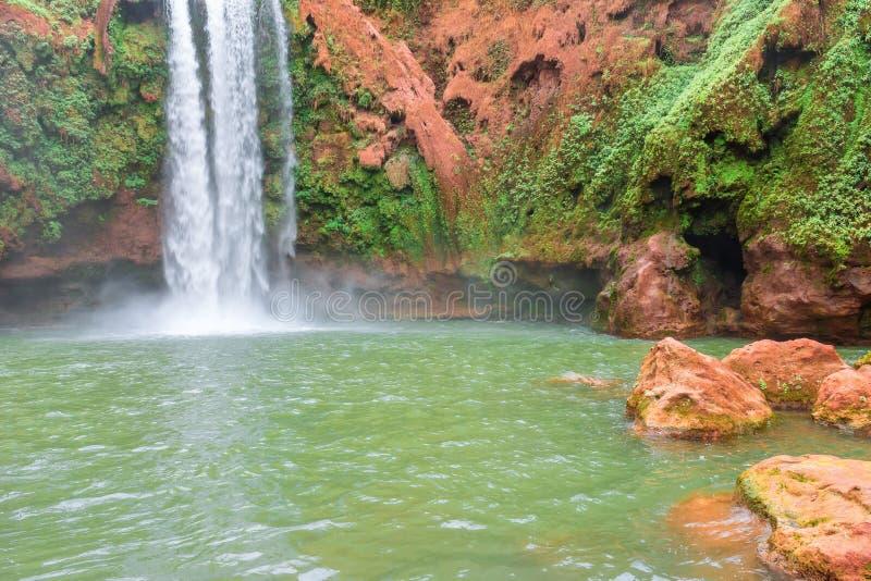 Красивый водопад в Ouzoud, Azilal, Марокко Грандиозный атлас стоковая фотография