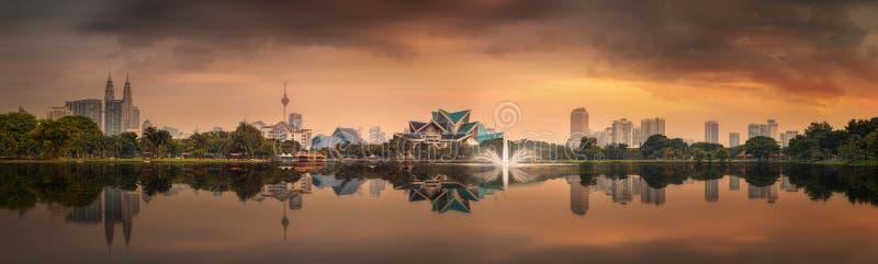Красивый городской пейзаж горизонта Куалаа-Лумпур стоковое изображение