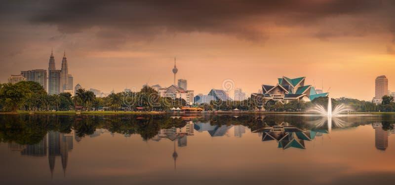 Красивый городской пейзаж горизонта Куалаа-Лумпур стоковые изображения