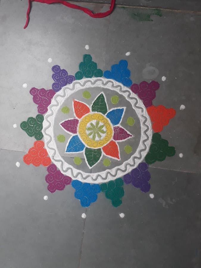 Красивый дизайн rangoli стоковая фотография rf