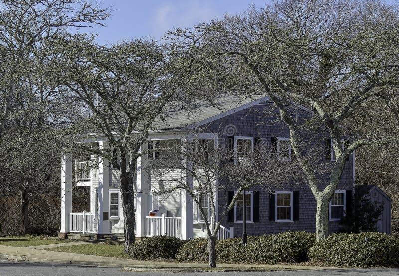 Красивый дом в стиле трески накидки в Фолмут, Массачусетс стоковое фото rf