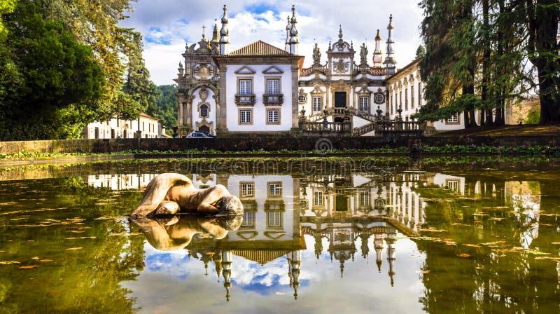 Красивый замок Vila реальный в Португалии (Касе de Mateus) стоковые фото