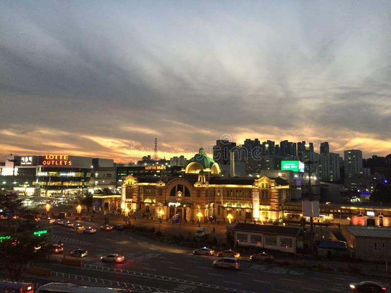 Красивый заход солнца над Сеулом стоковое фото