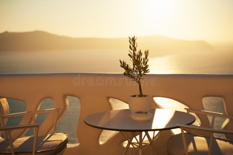 Красивый заход солнца на острове Santorini, Греции стоковые фотографии rf