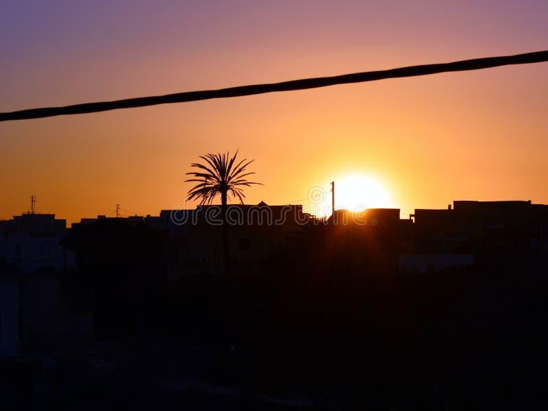 Красивый заход солнца на солнечное summerday стоковые изображения