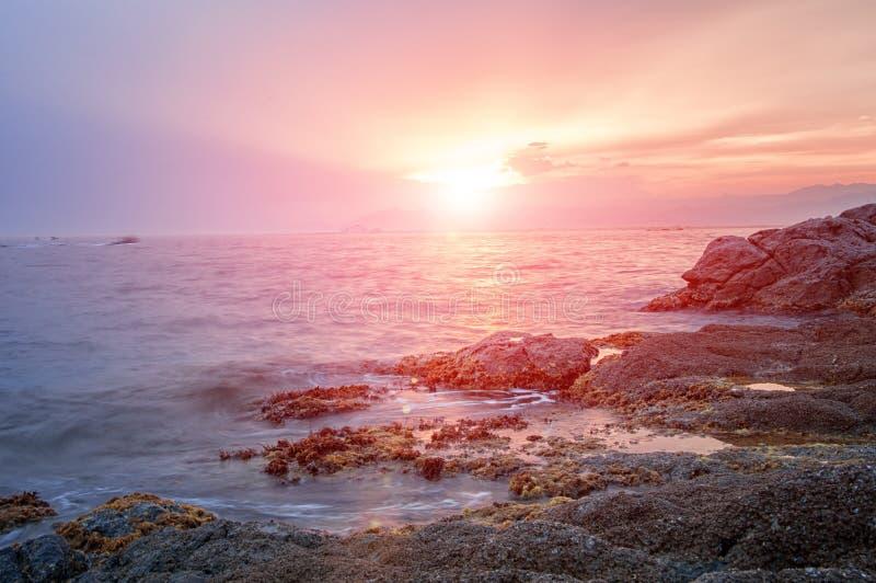 Красивый заход солнца Средиземным морем стоковое изображение rf