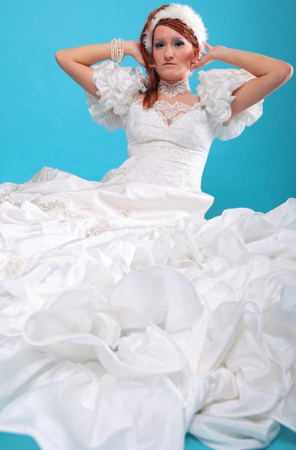 Download Красивый имбирь в платье ферзя снежка Стоковое Изображение - изображение насчитывающей экземпляр, adulteration: 33734377