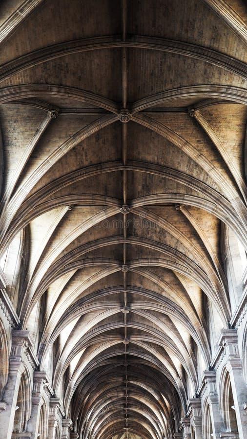 Красивый интерьер Нотр-Дам собора стоковое изображение