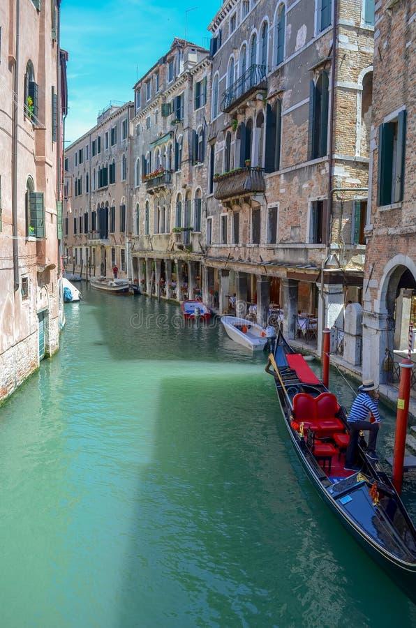Красивый канал в Венеции стоковая фотография rf