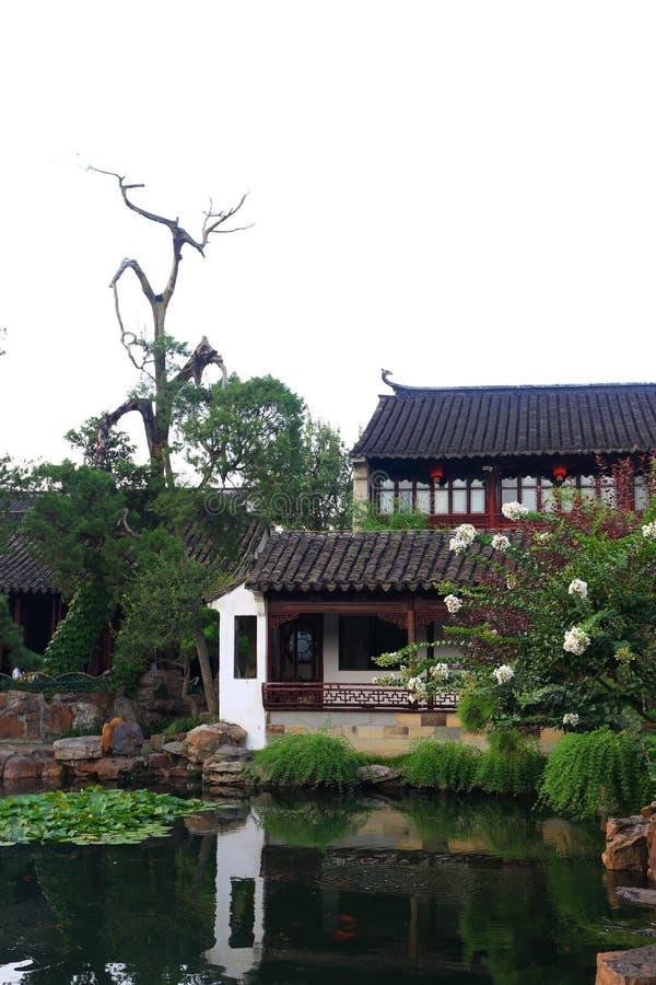 Красивый китайский сад стоковые фотографии rf