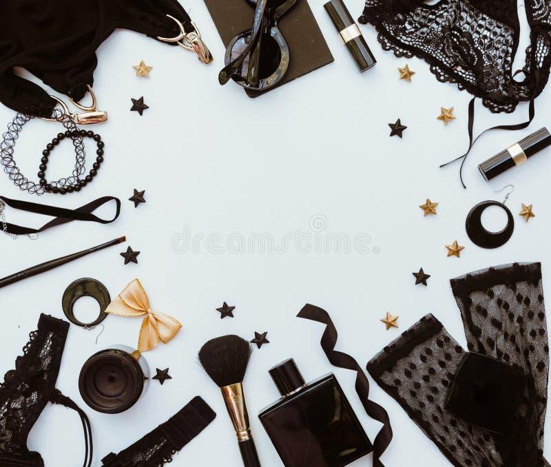 Красивый комплект ` s женщин минимальный аксессуаров моды стоковые фото