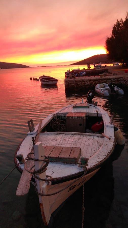 Красивый конец дня в заливе стоковые фото