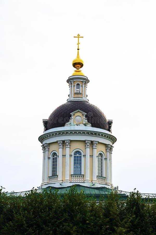 Красивый купол православной церков церков Майкл Архангела в Kolomna, кольце города золотом России r Sightseeing стоковое фото
