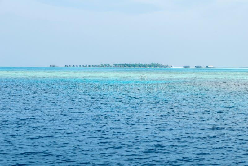 Красивый курорт в Мальдивах стоковые фото