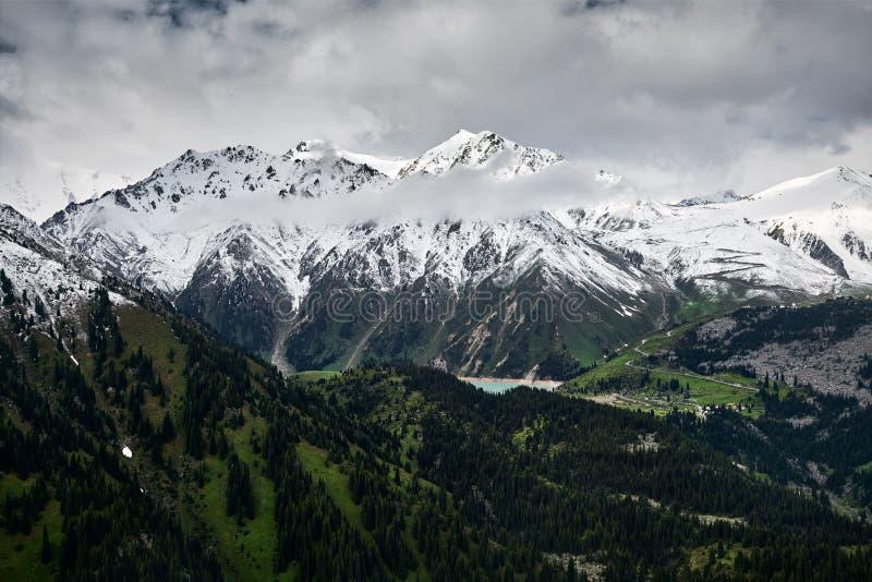 Красивый ландшафт гор стоковая фотография