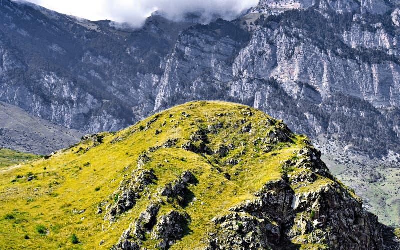 Красивый ландшафт гор Кавказа стоковые фотографии rf