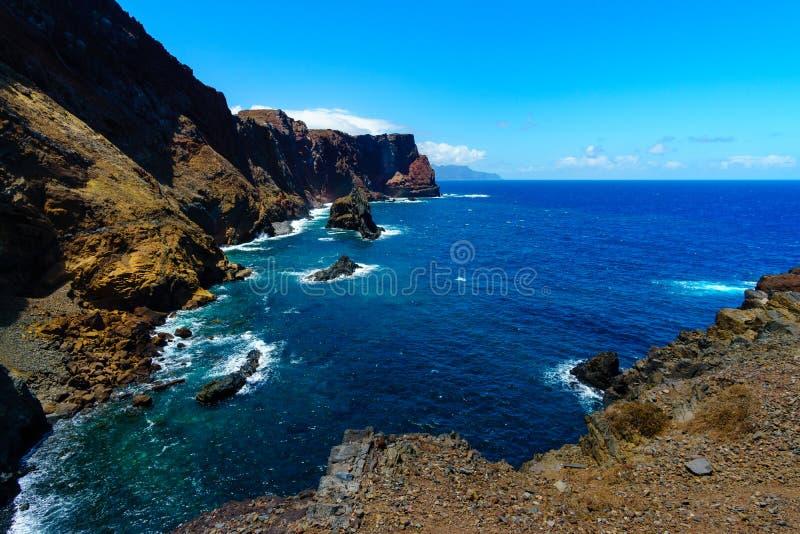 Красивый ландшафт на северном побережье Ponta de Sao Lourenco, Мадейры, Португалии стоковое фото