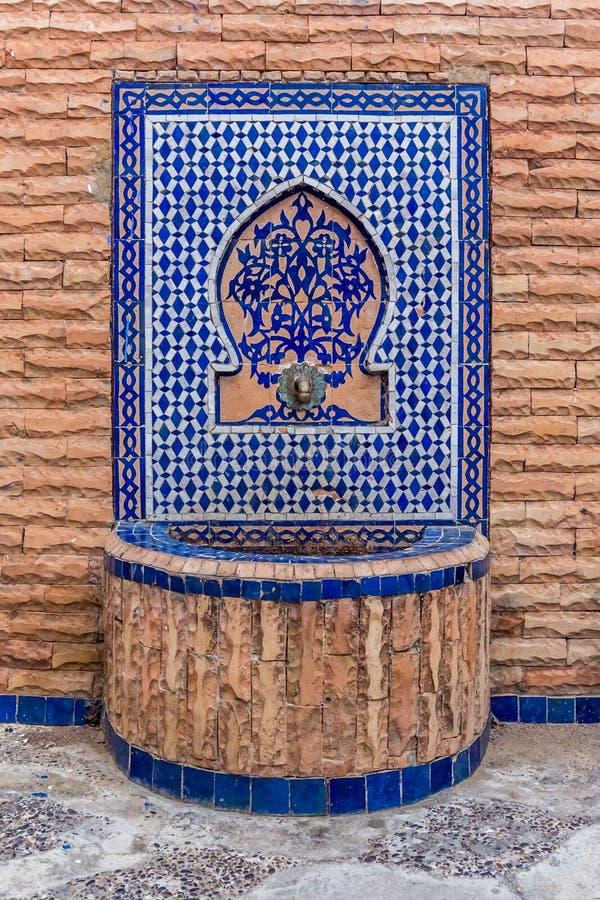 Красивый морокканский фонтан стоковые фото