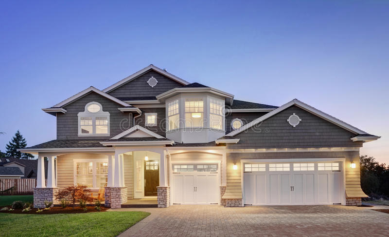 Красивый новый дом стоковое изображение