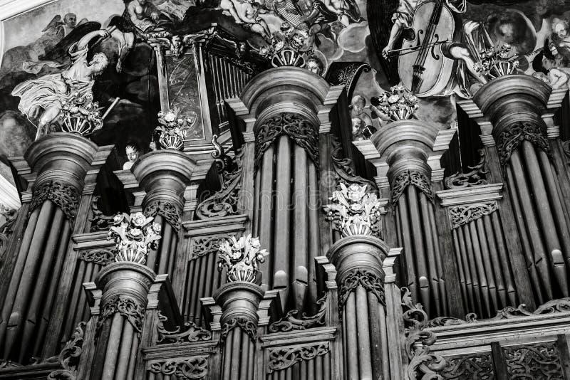 Красивый орган трубы Silbermann в барочной церков, Ebersmunster, стоковая фотография rf