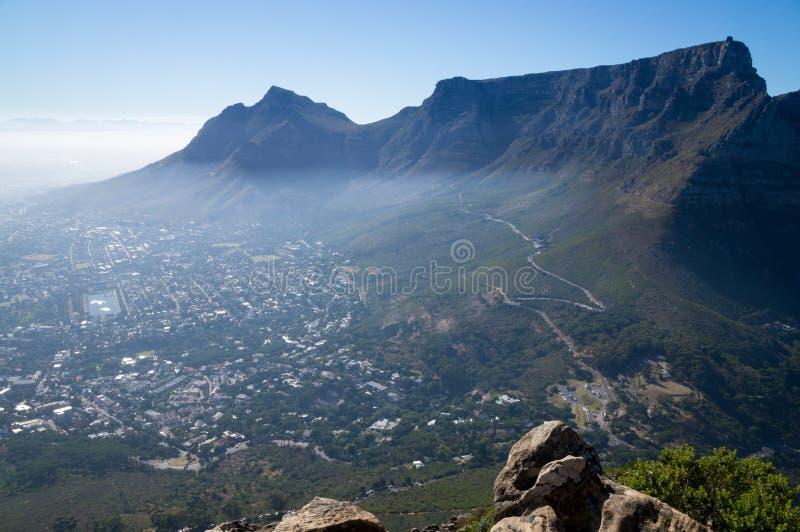 Красивый панорамный вид на национальном парке Столовой горы во время рассвета стоковые изображения