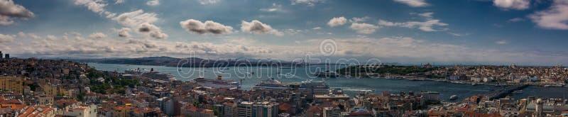 Красивый панорамный городской пейзаж Стамбула стоковые фотографии rf