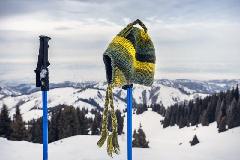 Красивый пейзаж гор зимы стоковое фото