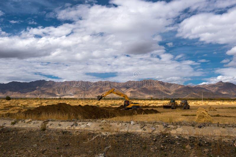 Красивый пейзаж: Путешествовать в Тибете стоковое фото