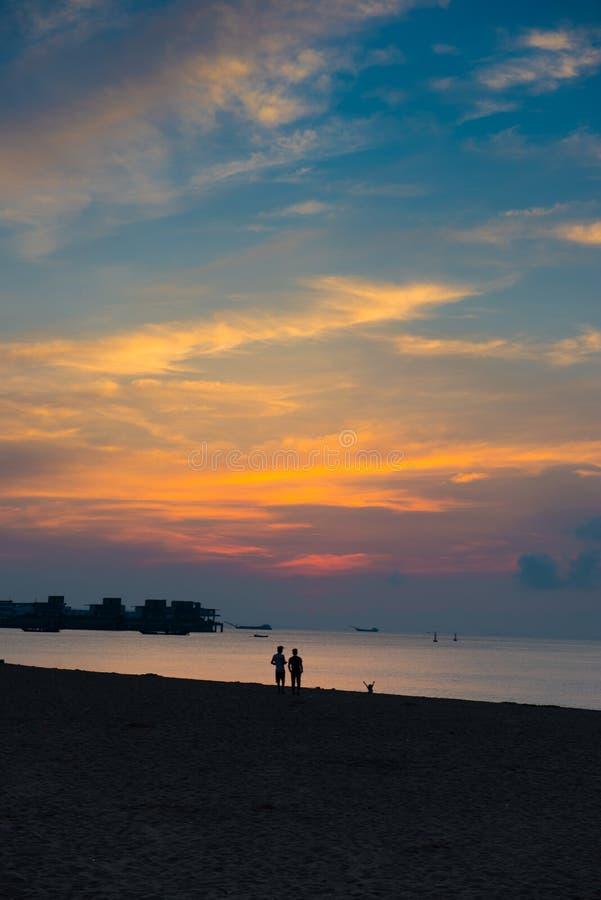 Красивый пейзаж тропического восхода солнца стоковые изображения