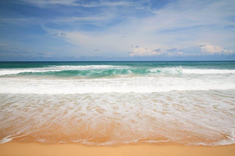 красивый пляж и тропическое море Andaman стоковое изображение rf