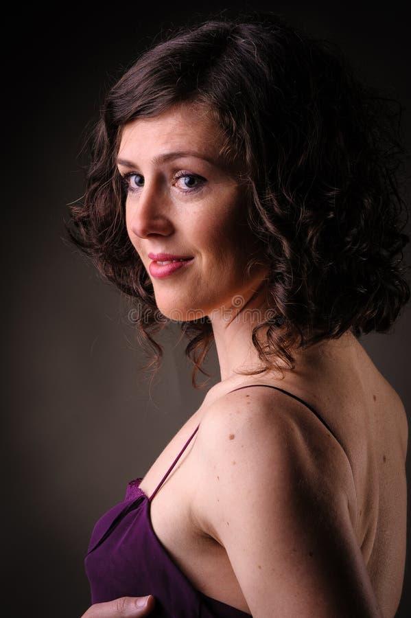 Красивый портрет женщины brunettte стоковая фотография rf