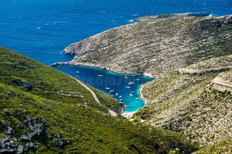 Красивый порт в лагуне Порту Vromi на острове Закинфа в Греции, Европе стоковые изображения