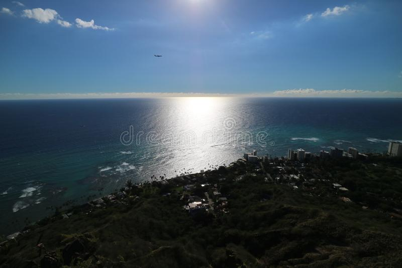 Красивый просмотр моря около захода солнца в Гаваи стоковые фотографии rf