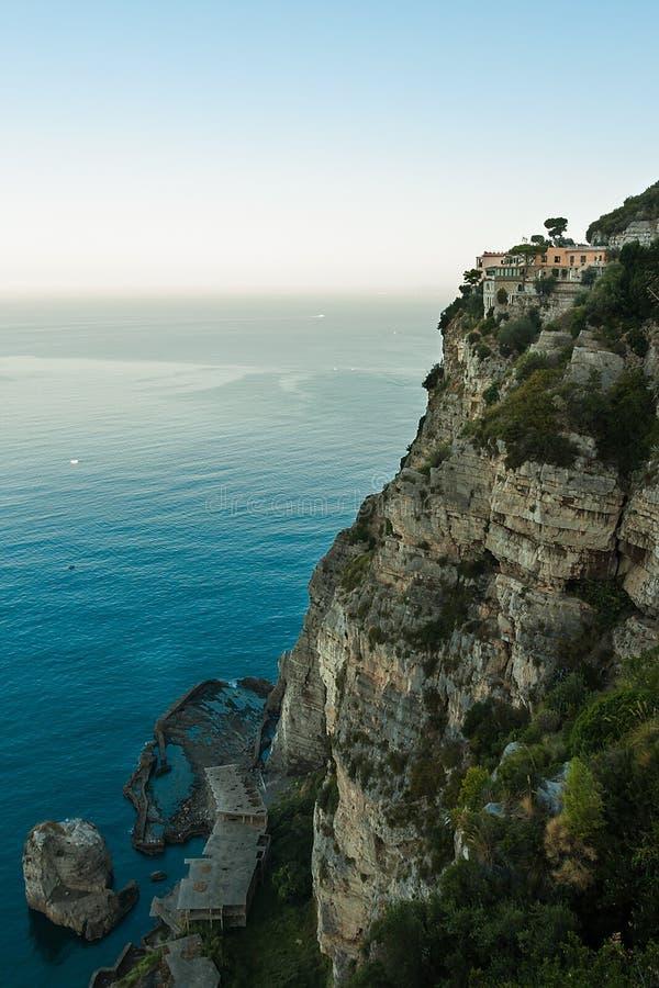 Download Красивый пляж в Сорренто Италии Стоковое Изображение - изображение насчитывающей гостиница, красивейшее: 40575925