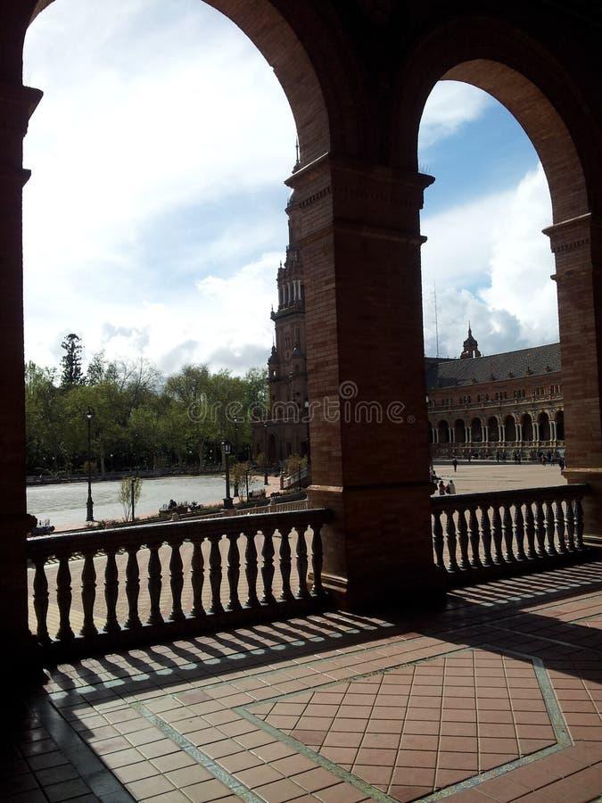 Красивый распорядок через старый городок Севильи Испании 5 стоковое фото