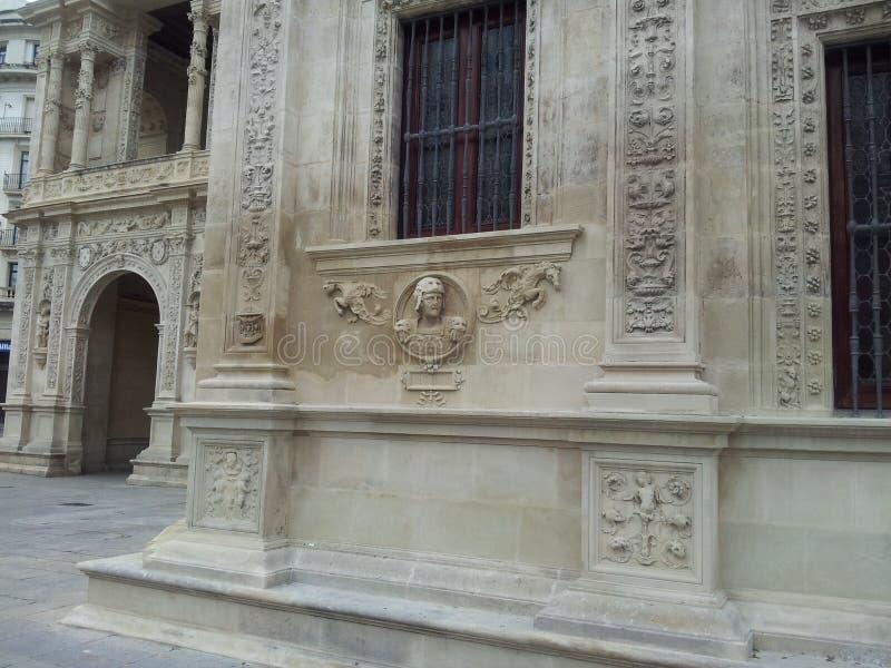 Красивый распорядок через старый городок Севильи Испании стоковая фотография