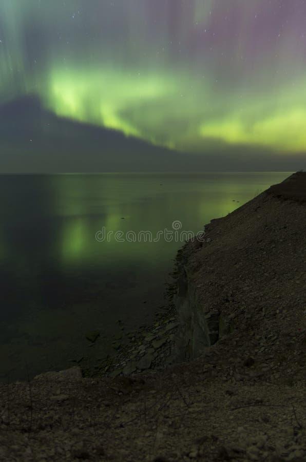 Красивый рассвет с отражением воды стоковая фотография rf