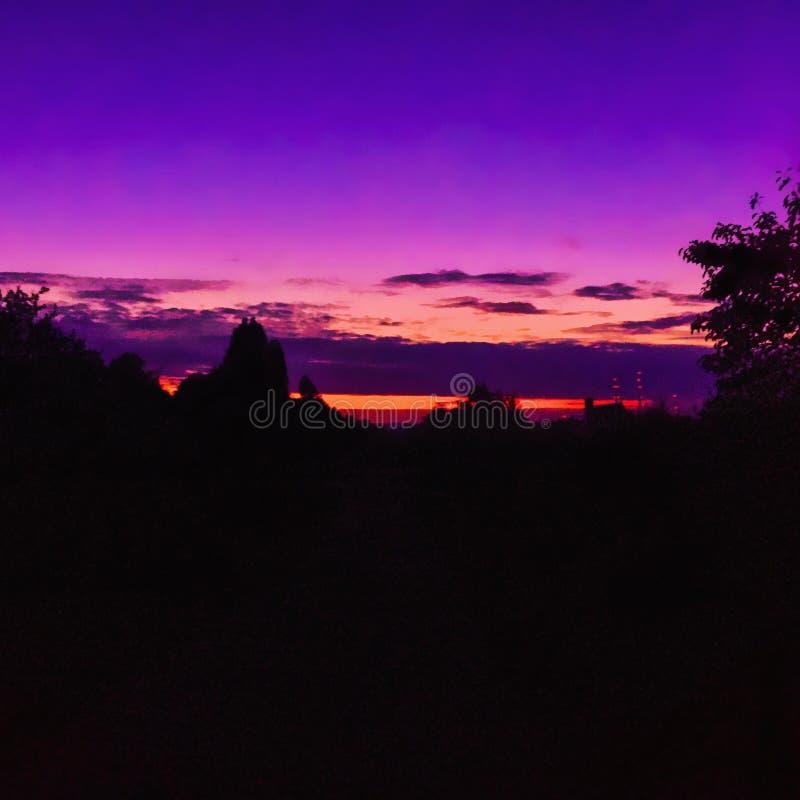 Красивый расслабляющий заход солнца стоковая фотография rf