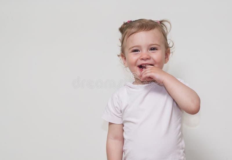 Красивый ребёнок усмехаясь счастливо стоковые фотографии rf